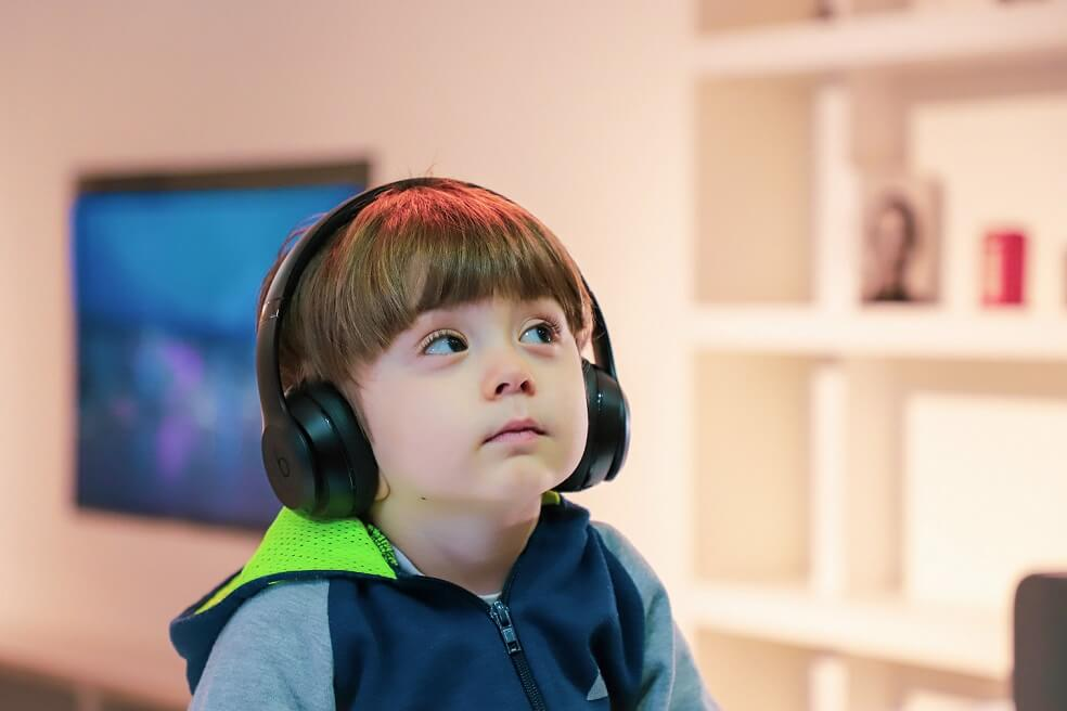 why parents should use cat ear headphones for children
